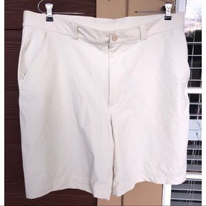UNDER ARMOR | UA Mens Stretch Golf Tan Shorts 40R